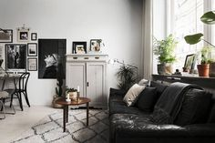 Cozy Art-Filled Apartment in Sweden - Gravity Home
