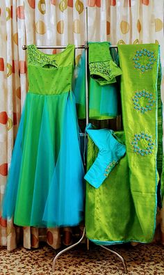 Chudi Mother Daughter Dresses Matching, Mother Daughter Fashion, Salwar Designs, Blouse Designs, Kurti Embroidery Design, Embroidery Suits, Kids Party Wear Dresses, Sari Design, Saree Blouse Patterns