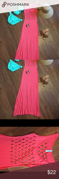 Cover Up Summer Dress Use it as a swimsuit cover or a cute summer dress. Throw on your favorite fitted crop top, grab some cute sandals and head out the door. 96% Polyester and 4% Spandex 59 inches long! Dresses Maxi