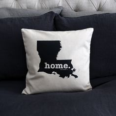 The Louisiana Home Pillow Cover is the perfect way to show off your state pride in your home, while also helping to raise money for multiple sclerosis research.This elegant 18 x 18 pillow cover is made out of a high-quality oatmeal linen fabric that is extremely versatile. You