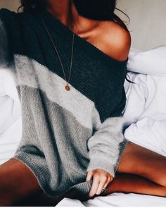 """I love the sweater and her necklace has the letter """"A"""" ❤️"""
