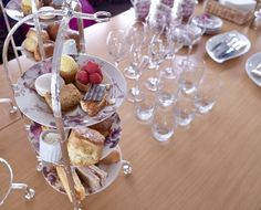 Enjoy Geneva's finest afternoon tea aboard a magnificent sail boat, as you cruise through Lake Geneva.