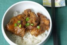 Chicken in Tamarind Gravy (Ayam Sioh) | A favorite recipe in Malaysia and Singapore, served during Chinese New Year.