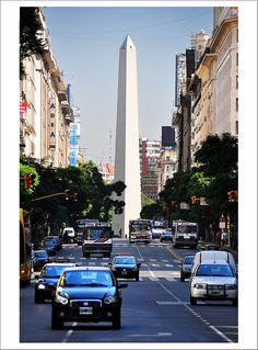 obelisco y la avenida Corrientes, Buenos Aires, Argentina
