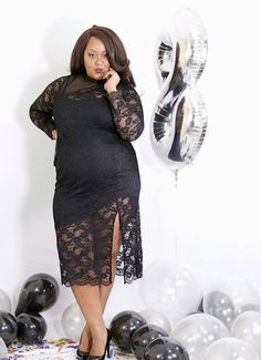 We are back with a new giveaway as we close out our blog turning 8! To help us celebrate, we have linked up with plus size retailer, City Chic! One lucky reader will score an amazing giveaway!   TCFTurns8 Giveaway! New Year, New Wardrobe with City Chic! http://thecurvyfashionista.com/2016/12/tcfturns8-giveaway-city-chic/