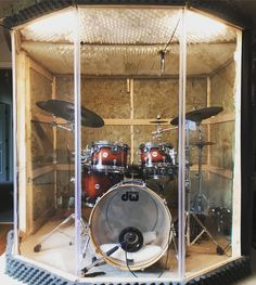 So, yesterday I finally finished my drum booth project I've been workin' on! The whole thing comes apart with like 24 screws so that the… Drums Studio, Music Studio Room, Audio Studio, Diy Drums, Drums Art, Drum Cage, Band Rooms, Acrylic Chair, Drum Room