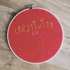 Petite broderie offerte à une amie l'année dernière... . . . . . #latergram #broderie #embroidery #handmade #handembroidery #faitmain
