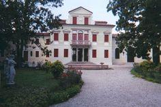 Villa Memmo Giordani, Treviso. Villa, Mansions, House Styles, Home Decor, Decoration Home, Manor Houses, Room Decor, Villas, Mansion
