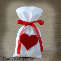 Party Favor Bag, Wedding Favor Bag, or Bridal Shower Gift Bag with Heart - SET OF 25