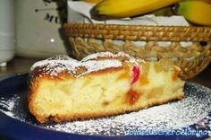 Una torta di frutta semplice, perfetta da preparare quando il tempo a disposizione è poco ma si ha comunque voglia di un dolcetto.