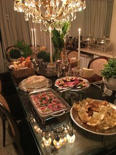 Dinning Table Set, Party Food Buffet, Diner Table, Eid Food, Tumblr Food, Snap Food, Ramadan Decorations, Recipe Organization, Food Platters