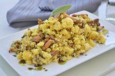 Steirischer Eierschwammerlsterz - Rezept Polenta, Austrian Recipes, Austrian Food, Fried Rice, Cauliflower, Vegetables, Cooking, Ethnic Recipes, Blog