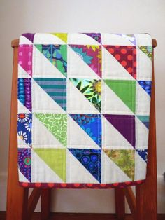 modern linen baby quilt by @Rita - Red Pepper Quilts