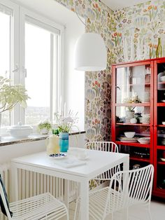 Bright and Unique Scandinavian Apartment Interior Decorating : White Square Kitchen Table Under Pendant Lights In Floral Wall Decor Apartment Interior, Interior Design, Apartment Decor, Interior, Apartment Design, Dining Room Small, Home Deco, Apartment Interior Design, Home Decor