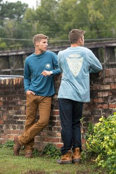 The Native Son tee paired with L.L bean boots is the perfect outfit for those Autumn outdoorsy weekends. #southernshirt #autumn