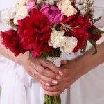 WHY DO BRIDES TOSS THEIR BOUQUET? #weddingbouquet