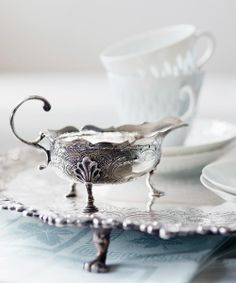 English antique silver from century in a private Finnish collection. September 2014, Sugar Bowl, Bowl Set, 18th Century, Antique Silver, English, Magazine, Vintage, Antiques