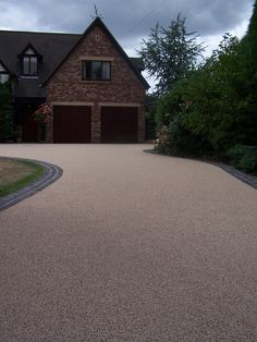 Home Logic are leading suppliers of stunning resin based driveways, dedicated to providing hard-wearing surfaces that are excellent value for money.  Our permeable driveways require little maintenance and will look great for many years to come.