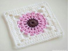 Transcendent Crochet a Solid Granny Square Ideas. Inconceivable Crochet a Solid Granny Square Ideas. Crochet Square Patterns, Crochet Motifs, Crochet Blocks, Crochet Squares, Crochet Granny, Crochet Stitches, Granny Squares, Rug Patterns, Crochet Mandala