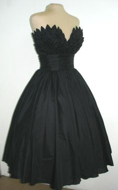 Alluring intricacy, 50s inspired ball dress with beautiful bust detail. Can be made to measure. All sizes are welcome.