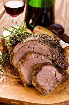 Astuces pour bien réussir son gigot d'agneau au four - Rien de tel qu'un bon gigot d'agneau pour se régaler. Et pas seulement pour le repas de Pâques même s'il y a fort à parier qu'il y sera invité parce qu'un menu de Pâques sans gigot d'agneau c'est comme un repas de Noël sans bûche...
