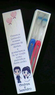Convite para padrinhos - Escova de dente e convite de amor e carinho