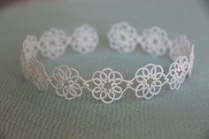 Etsy の Tatting lace bracelet pdf pattern Clematis by TheKimAndI