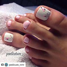 Awesome Trendy Nails 35 Summer Toe Nail Design Ideas For Exceptional Look 2020 # Pedicure Colors, Pedicure Designs, Pedicure Nail Art, Toe Nail Designs, Pedicure Ideas Summer, French Pedicure, Nails Design, Pretty Toe Nails, Cute Toe Nails