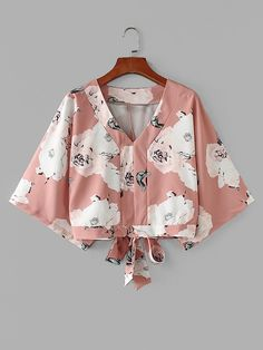 Product name: Tie Back Kimono Sleeve Florals Blouse at SHEIN, Category: Blouses Blouse Styles, Blouse Designs, Trendy Outfits, Cool Outfits, Look Fashion, Fashion Design, Schneider, Mode Style, Aesthetic Clothes