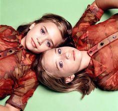 Ashley (left) & Mary-Kate(right) Olsen