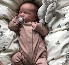 Little Babies, Cute Babies, Little Presents, Future Mom, Cute Baby Pictures, Everything Baby, Baby Family, Baby Time, Baby Boy Newborn
