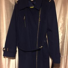 Michael Kors Winter Pea coat Used but in great shape! It's been in my closet for 3 years but I still see them in stores! MICHAEL Michael Kors Jackets & Coats Pea Coats