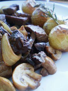 Filé Mignon ao Vinho e Molho de Cogumelos