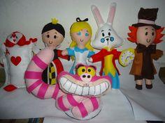 Bonecas+confeccionadas+em+feltro+excelente+para+decoração+ou+presente. R$ 120,00