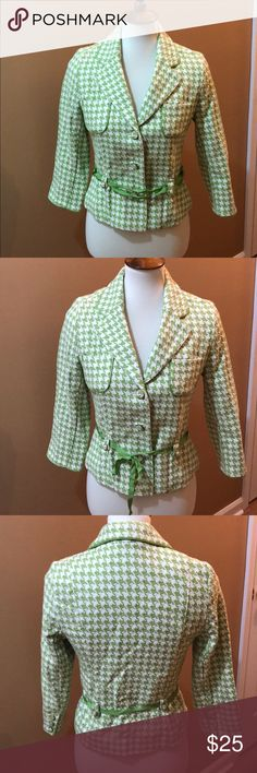 "Old Navy blazer Super cute green and white Old Navy 3 button blazer. Has a small thin green ribbon ""belt"". Can be removed and worn without. Size Small. This has not been worn. Old Navy Jackets & Coats Blazers"