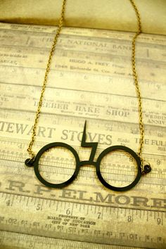All my Harry Potter fan-girls! Check out this super cute necklace!