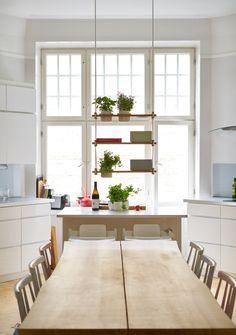 Elämäni keittiö ja sen pöytä - Hanna G Living Spaces, Kitchen, Table, Furniture, Design, Home Decor, Capri, Homes, Cooking