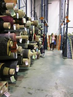 Art & Mañas » Buscando telas para tapizar… Lovely Shop, Haberdashery, Wine Rack, Dyi, Textiles, Reyes, Fabric, Shopping, Home Decor