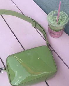 Get your greens 🥦 Tod Bag, Hype Bags, Cosmo And Wanda, Mini Purse, Mini Bags, Beaded Purses, Little Bag, Prada Bag, Vintage Handbags