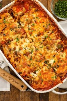 Baked Spaghetti is a favorite casserole around here! A quick zesty meat sauce is combined with tomatoes and spaghetti and topped with cheese. This spaghetti casserole is baked in the oven until hot and bubbly. Easy Baked Spaghetti, Baked Spaghetti Casserole, Baked Spaghetti Squash, Spaghetti Recipes, Pasta Recipes, Beef Recipes, Italian Recipes, Dinner Recipes, Cooking Recipes
