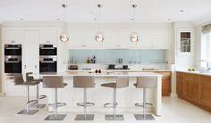 Home - Handmade Kitchens   Traditional Kitchens   Bespoke Kitchens   Painted Kitchens   Classic Kitchens