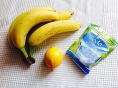 Banán Dává se do pekáče, aby změklo maso. Do hlíny kolem růží, napadených mšicemi, zakopeme suchou nebo nakrájenou banánovou slupku. Cibule Potřete se po bodnutí včelou. Zbaví nože rzi. Citrony … Nordic Interior, Korn, Hacks, Cleaning, Fruit, Diet, Home Cleaning, Tips