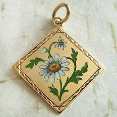 gold and enamel daisy charm ~ A Genuine Find Vintage Charm Bracelet, Charm Bracelets, Charm Jewelry, Vintage Jewelry, Country Jewelry, Antique Watches, Jewelery, Spanish Dancer, Flower Tree