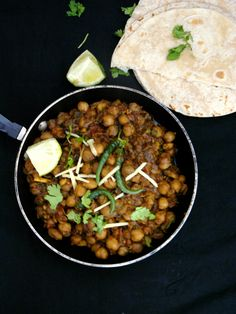 Pindi Chole (Indian style Chickpeas spiced with Cumin and Pomegranate Seeds)