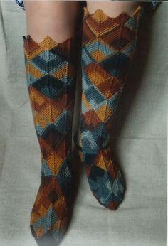 Knitting Socks, Knitting Needles, Hand Knitting, Knitting Patterns Free, Free Pattern, Crochet Hooks, Knit Crochet, Embroidered Christmas Stockings, Mitered Square