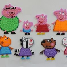 Peppa Pig magnet set hama beads by Mes-petites-pommes Melty Bead Patterns, Pearler Bead Patterns, Perler Patterns, Beading Patterns, Crochet Patterns, Perler Beads, Perler Bead Art, Fuse Beads, Hama Beads Design