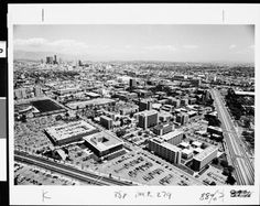 Page 1 :: Aerial view of campus, USC, 1977 :: University of Southern California History Collection. http://digitallibrary.usc.edu/cdm/ref/collection/p15799coll104/id/764