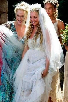 Pin for Later: Always a Bridesmaid: The Best Onscreen Wedding Parties Mamma Mia Sophie (Amanda Seyfried) has her friends escort her to the Greek wedding to her love, Sky. Boda Mamma Mia, Mamma Mia Wedding, Movie Wedding Dresses, Wedding Movies, Wedding Gowns, Wedding Scene, Wedding Parties, Wedding Night, Bridal Gown
