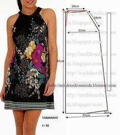 PASSO A PASSO MOLDE DE VESTIDO Corte um retângulo de tecido com a altura e largura que pretende para as costas e frentes. Dobre a meio o retângulo. Desenhe