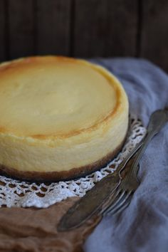 A legkrémesebb sajttorta bögrésen | Rupáner-konyha Other Recipes, Sweet Recipes, Cake Recipes, Vegan Recipes, Dessert Recipes, Cheescake Recipe, Cheesecake, Hungarian Desserts, Cakes And More